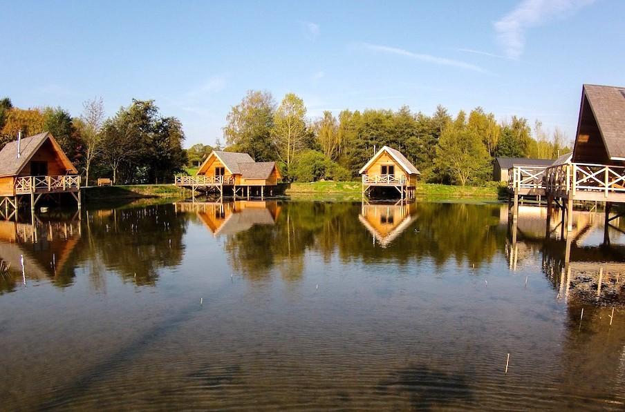 Les Aqua Lodges de Ermeton-sur-Biert