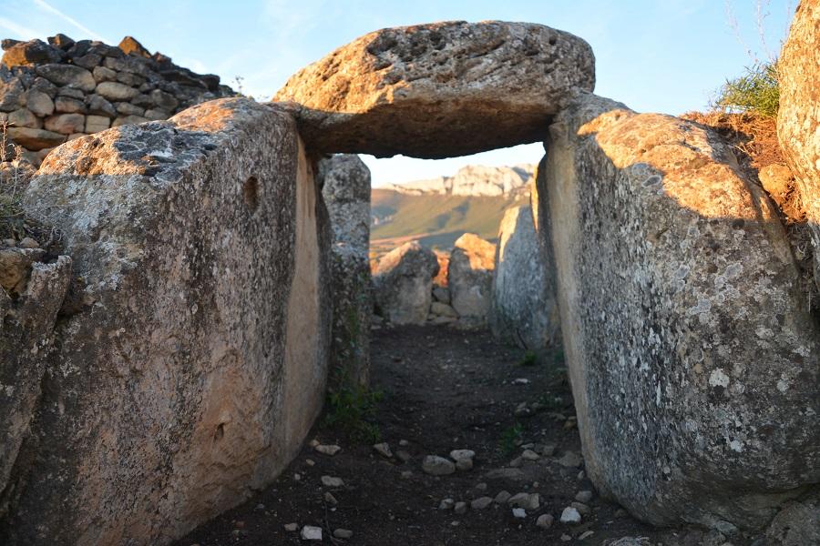 Ysios, dolmen de St. Martin