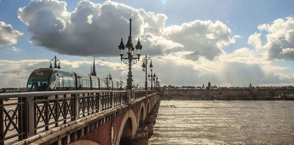 Bordeaux, entre bon vin et architecture française