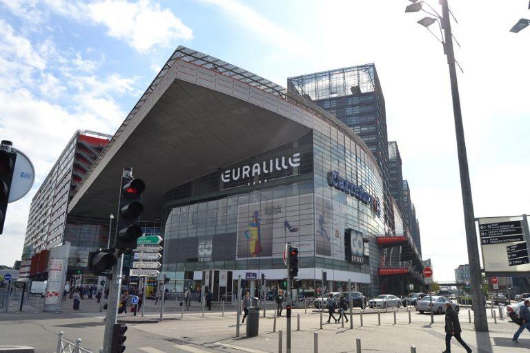 Futuristisch shoppen in de wijk Euralille