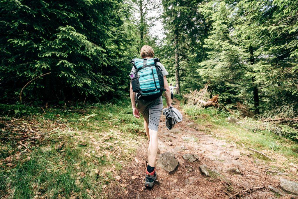 10 choses indispensables à mettre dans son sac à dos