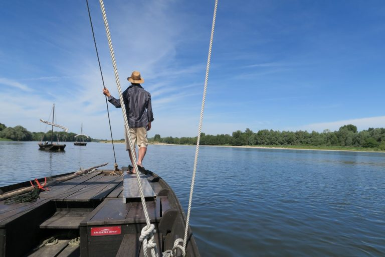 Privatisez un bateau sur la Loire et partez à la conquête du soleil couchant !