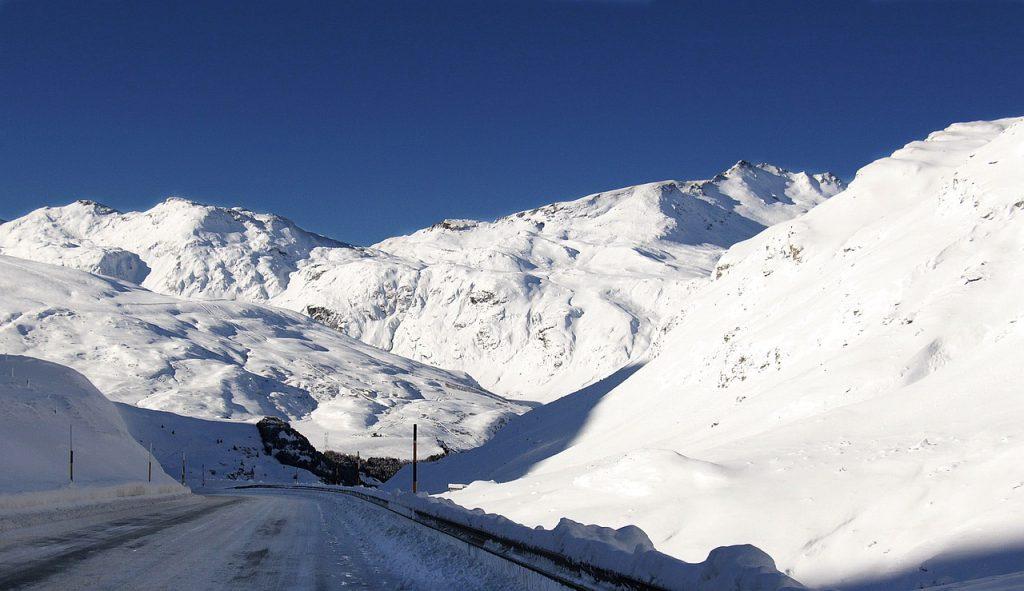 Vous allez en Suisse ? Suivez bien ces règles de circulation !