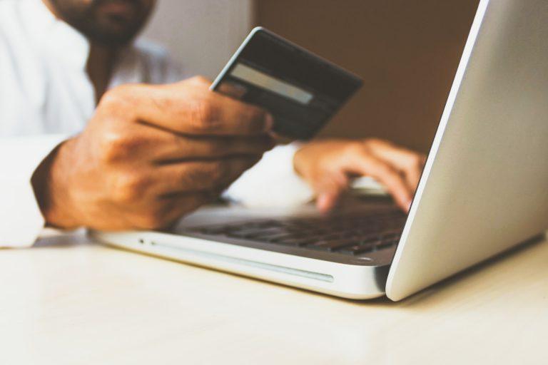 Verzekerd op reis … met je kredietkaart?