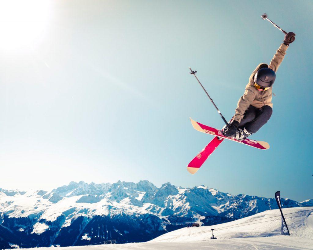 Ce pays est bien décidé à ouvrir les pistes de ski pour Noël…