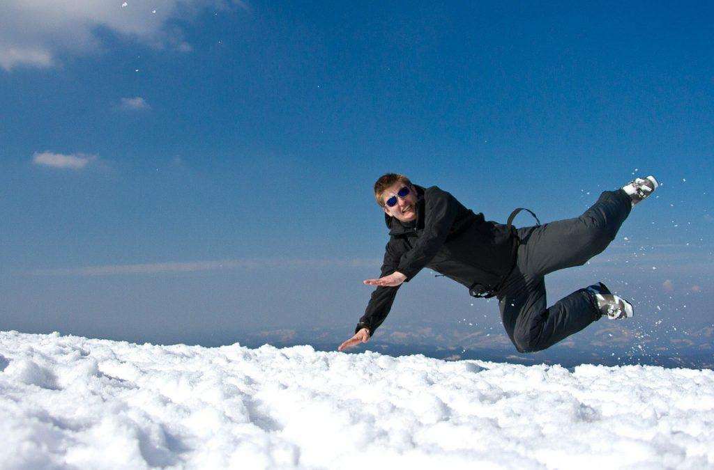 Votre employeur doit-il vous payer si vous êtes en incapacité de travail après un accident de ski ?