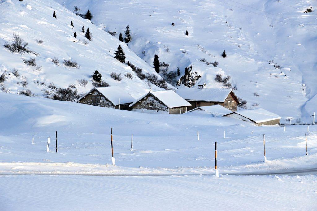Voici vos droits si vous êtes bloqué à cause de la neige sur votre lieu de vacances