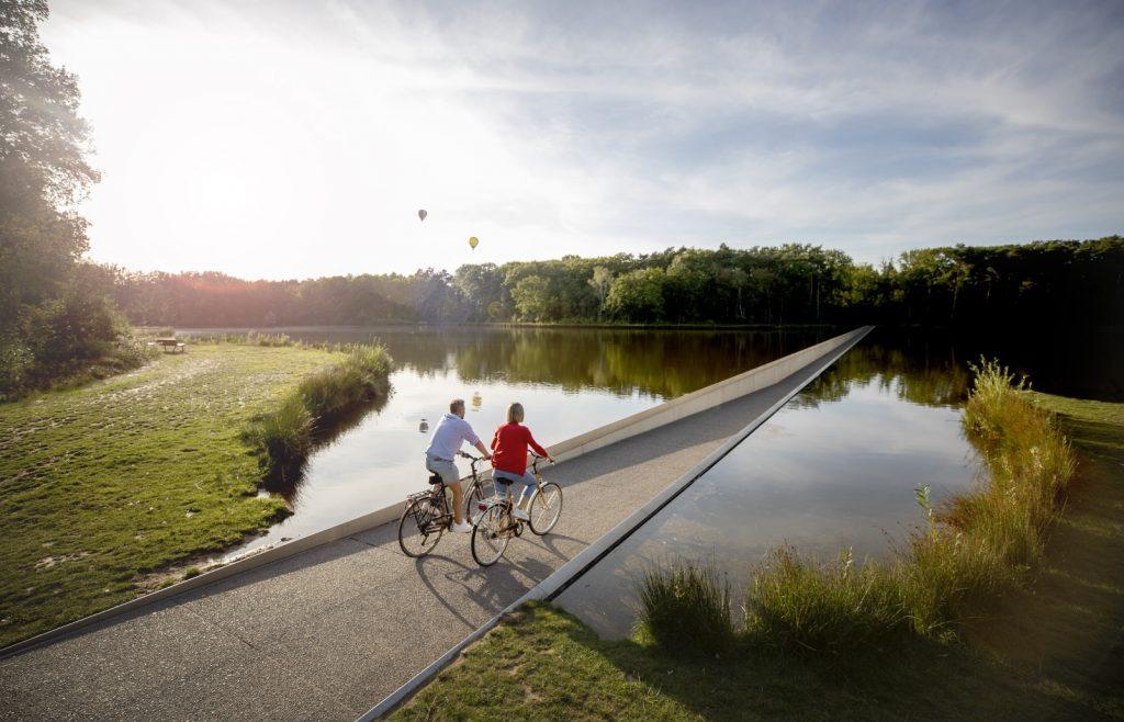 Des balades à vélo sensationnelles dans le Limbourg belge : enchaînez les expériences inoubliables !