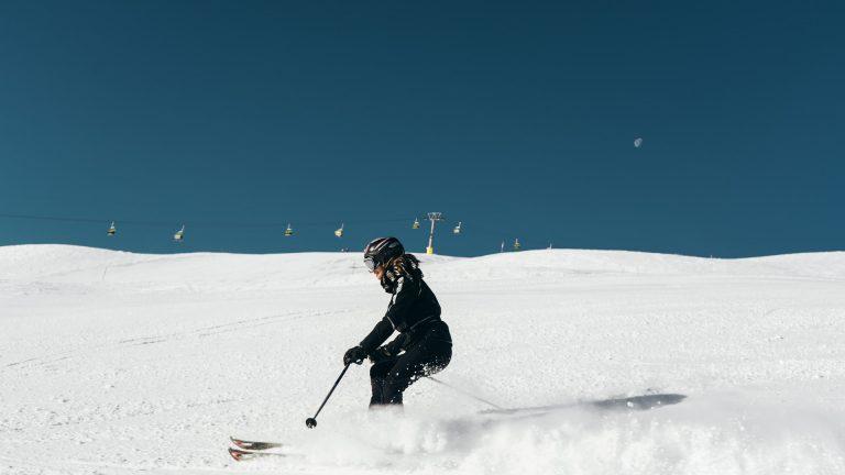 Skier en Suisse : le pass sanitaire ne sera pas exigé !